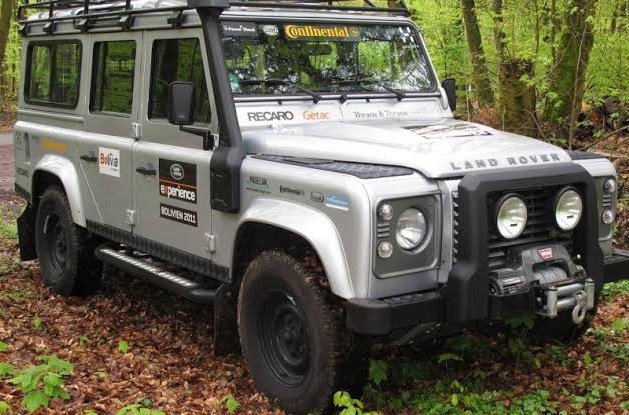 mobil offroad land rover