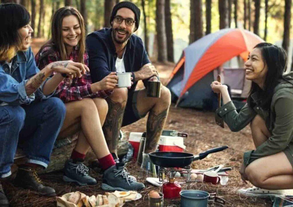 hiking dan camping di puncak