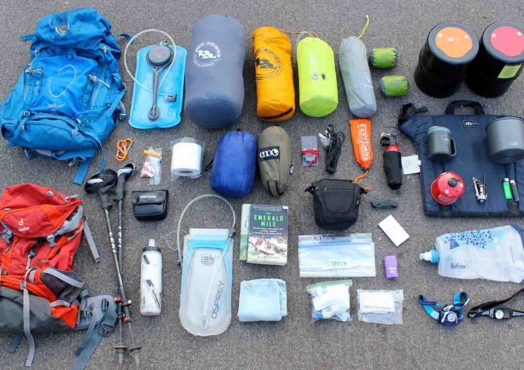 perlengkapan hiking dan trekking yang wajib di bawa