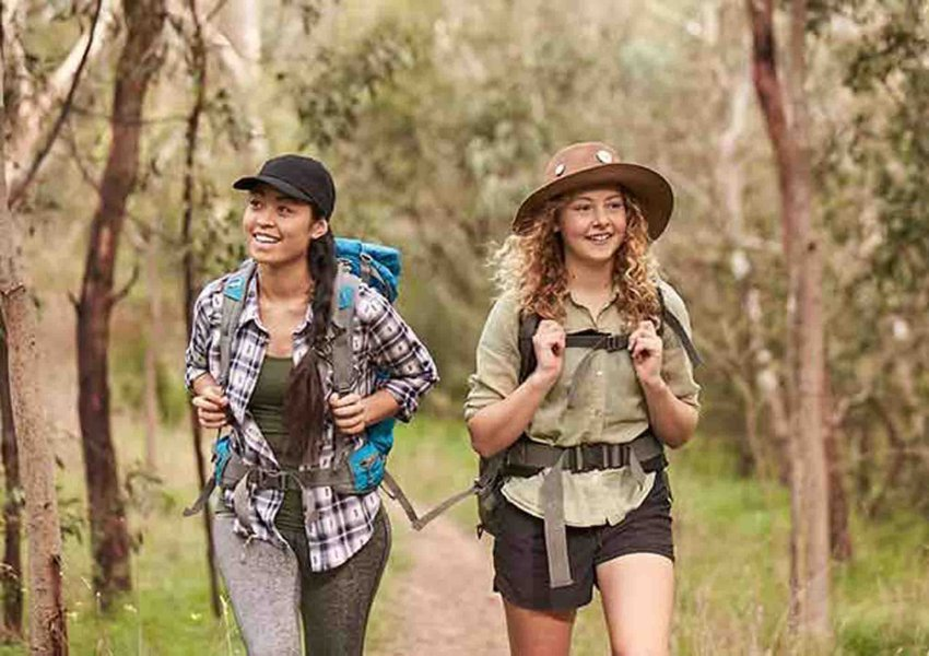 trekking dan hiking di puncak